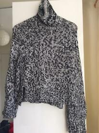 Black & white knitted top by H&M