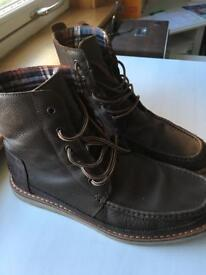 Toms searcher boots size 10.5uk