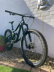 2019 Giant Trance 2 27.5 MTB. £2499 RRP. Excellent Condition. Small Frame.