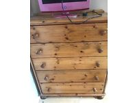 Chest of draws (5 draws ) open to offers £20.00