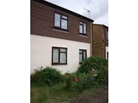 Lovely, Light & Airy 2 Bedroom Flat,