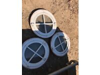 Circular swivel windows , frame size is 610mm ,40 each or 100 for the lot. You
