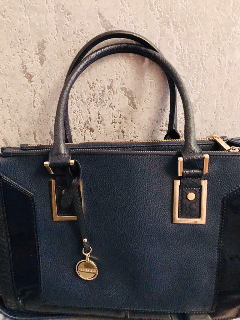 Bessie Handbag In Edmonton London