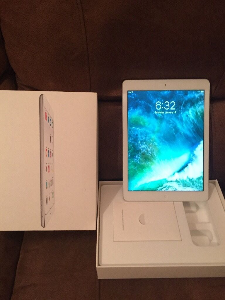 IPad Air 32gb wifiin Yateley, HampshireGumtree - IPad Air 32 gb wifi in mint condition with original box no dents. No charger or cable included £220