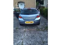 silver vauxhall astra