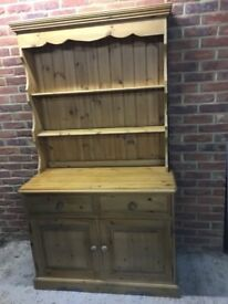 Pine Welsh Dresser In Excellent Condition