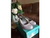 Pearl cream ladies shoes clarks