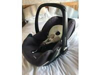 Maxi-Cosi Pebble IsoFix Car Seat.