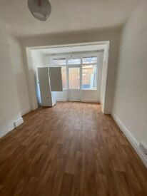 BEAUTIFUL DOUBLE ROOMS AVAILABLE FOR RENT IN HOUNSLOW EAST