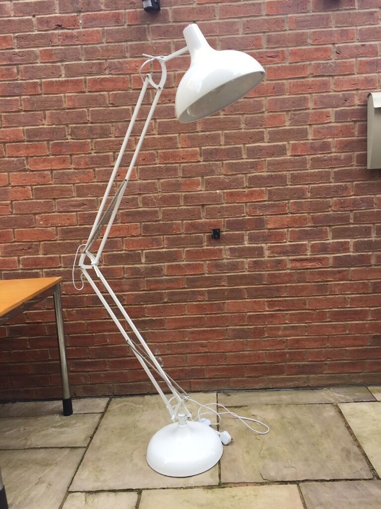 Attractive b q white tecton floor lamp looks like a giant anglepoise adjustable height and - Giant anglepoise lamp ...