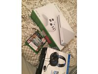 Xbox one go 4 months old still have warranty 500gb come with turtle beach headset and GTA 5