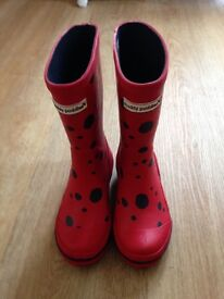 Muddy Puddles puddlestomper kids wellies size 11 (more like a size 10 though!)
