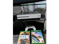 Xbox one s 500gb 2 games