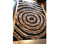 Good Quality balck and brown rug
