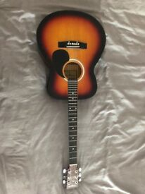 Acoustic Guitar and Carry Case. Fantastic condition