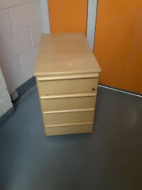 Solid wood filling office cabinet