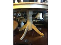 Pine round dining kitchen table & 4 Chairs Immaculate Condition