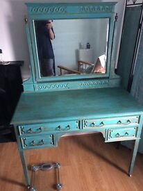 Reproduction dresser with mirror over