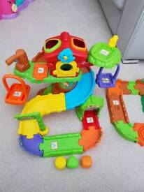Vtech toot toot treehouse and zoo set