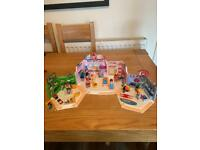 Playmobil City Life Shopping Plaza with Sports, Pet and Clothing Store