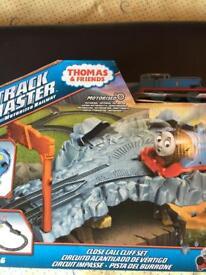 Thomas the Tank Engine Track Master Close Call Cliff Set