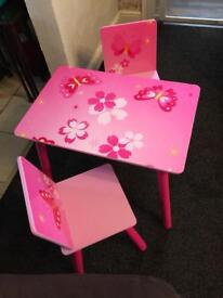 Pink child toddlers table 2 chairs