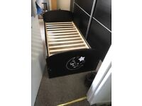Toodler bed for sale , nice good condition.