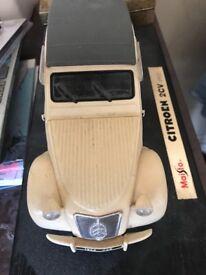 Citroen 2cv model scale