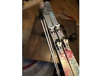 Women skis also bag and poles