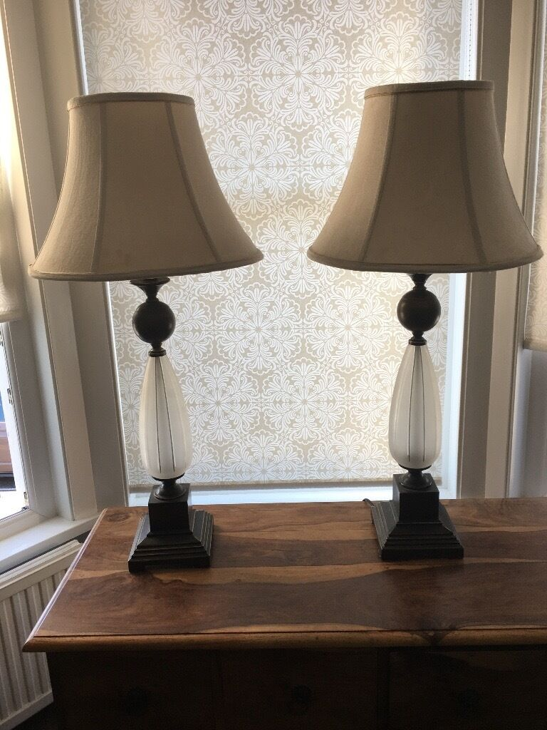 2 bedside lampsin Plymouth, DevonGumtree - x2 bedside/table Lamps for sale. In good working condition Height 87cm £20 for the pair. Please contact Oliver for further information