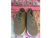 Mink Trainers