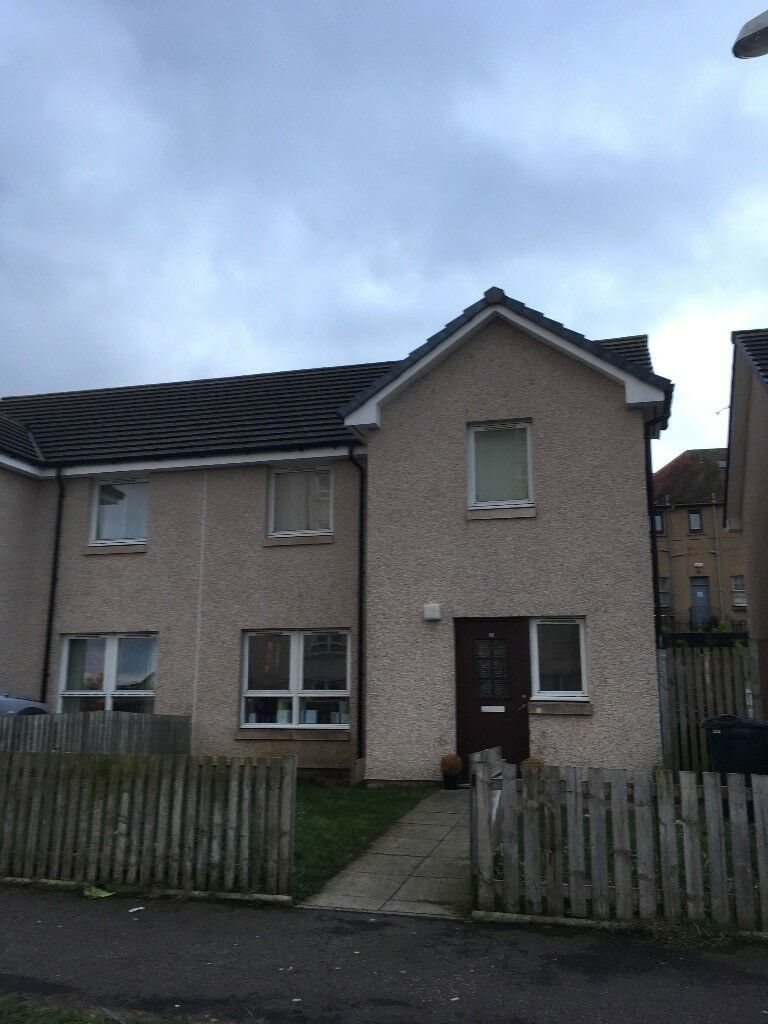 Large 3 bed house looking to downsize to a 2 bedroom, all areas considered