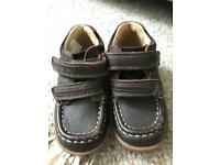 Clark's toddler shoes size 4.5 F