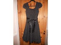 Black & white Hearts & Roses dress, size 14/16