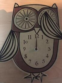 Retro owl clock.