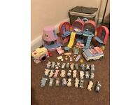 Blue Nose Bear collection playsets