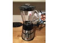 Russell Hobbs smoothie/juice maker and blender