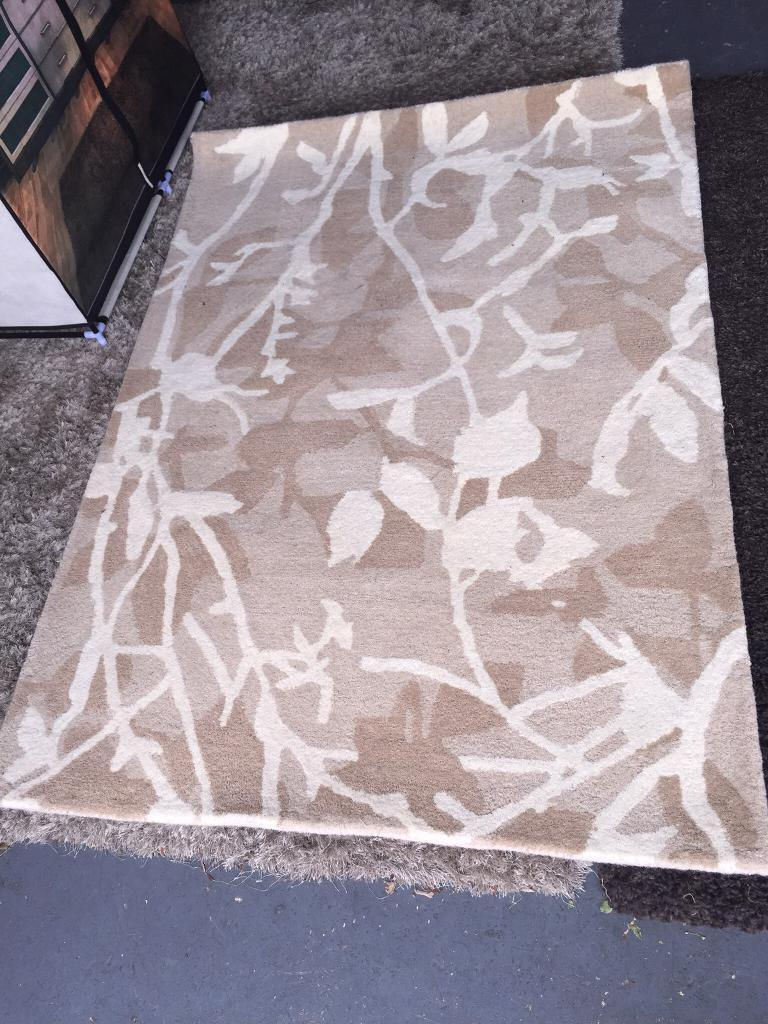 New Silhouette Leaf Rug in Natural