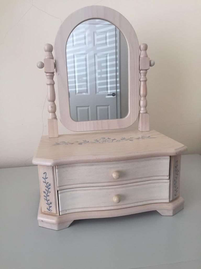 Jewellery box with Mirrorin Billericay, EssexGumtree - Jewellery box with x2 draws needs a bit of TLC its Woden with a light pink colour