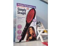 The brush that straightens hair .ceramic straighening brush