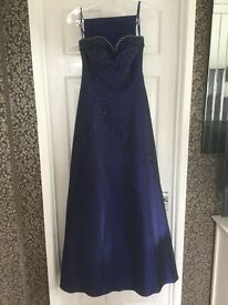 Beautiful full length Prom Dress/Ball Gown. Size 6