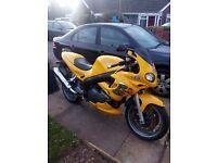 Triumph 955 I sprint (2000)