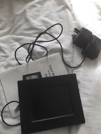 """Digital Photo frame 5"""" With instructions fully working order Good Condition"""