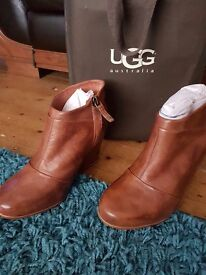 LADIES CHRISTMAS PRESENT! GRNUINE UGG WEDGE BOOTS NEVER BEEN WORN!