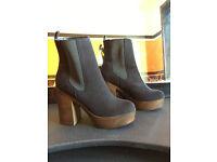 Ladies Brand New Platform Boots