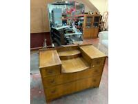 Dressing table with vanity mirror
