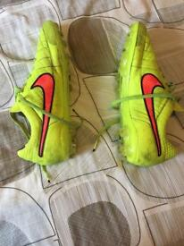 Nike tiempos size 11 uk artificial ground