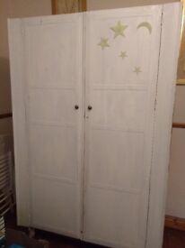 White Wooden Wardrobe £15 OVNO