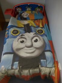 Toddler bed, Thomas Tank Engine bed including FREE duvet covers x2 and curtains
