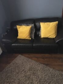 High quality leather 2 & 3 seater settees in dark brown